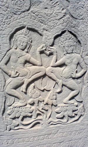 15砂岩に描かれた壁画のひとつ