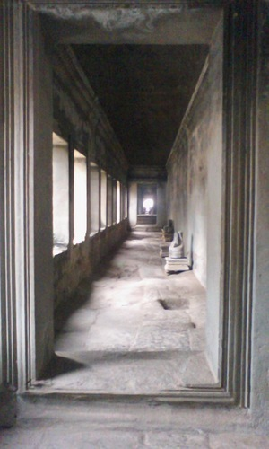 23第二回廊を見る